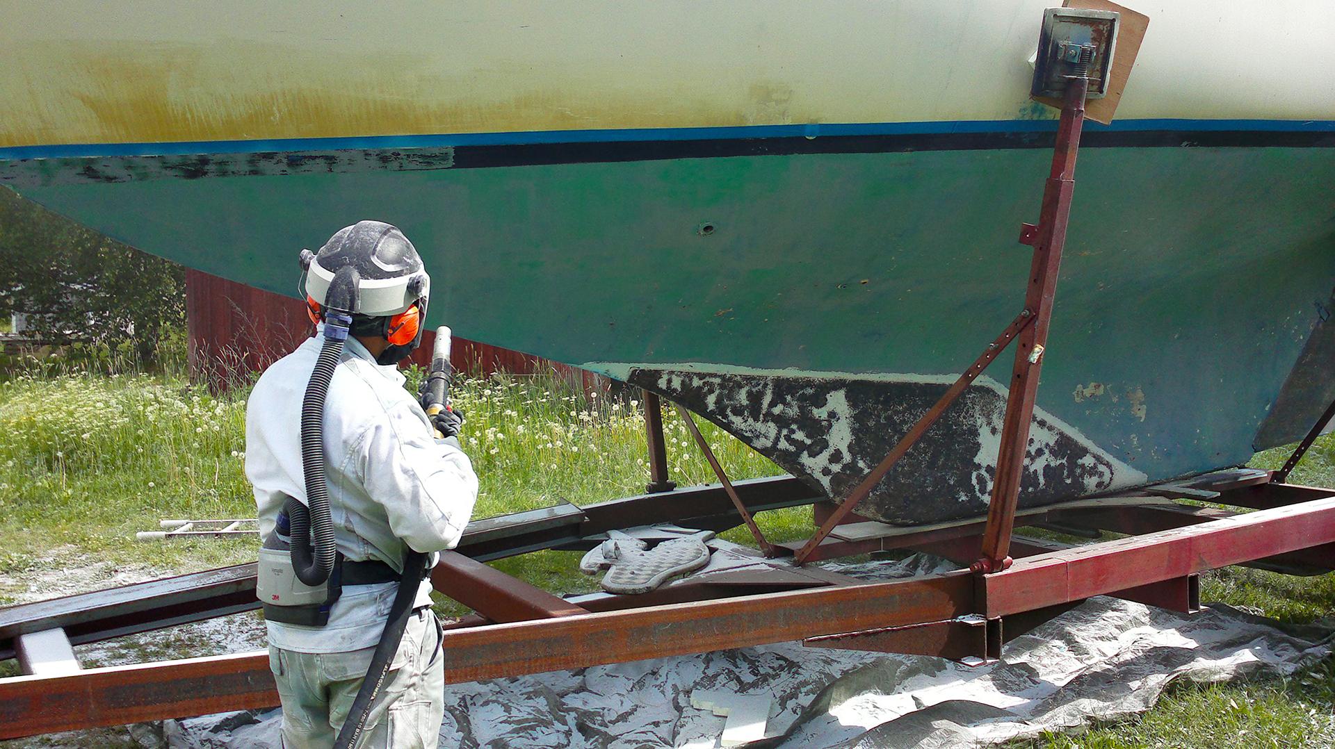 Poharemontin yhteydessä vesilinjaa nostettiin vanhan kylkiviivan verran.
