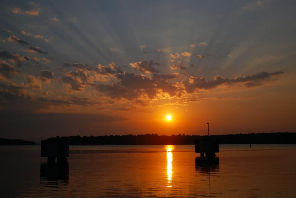 Auringonlasku Föglössä.