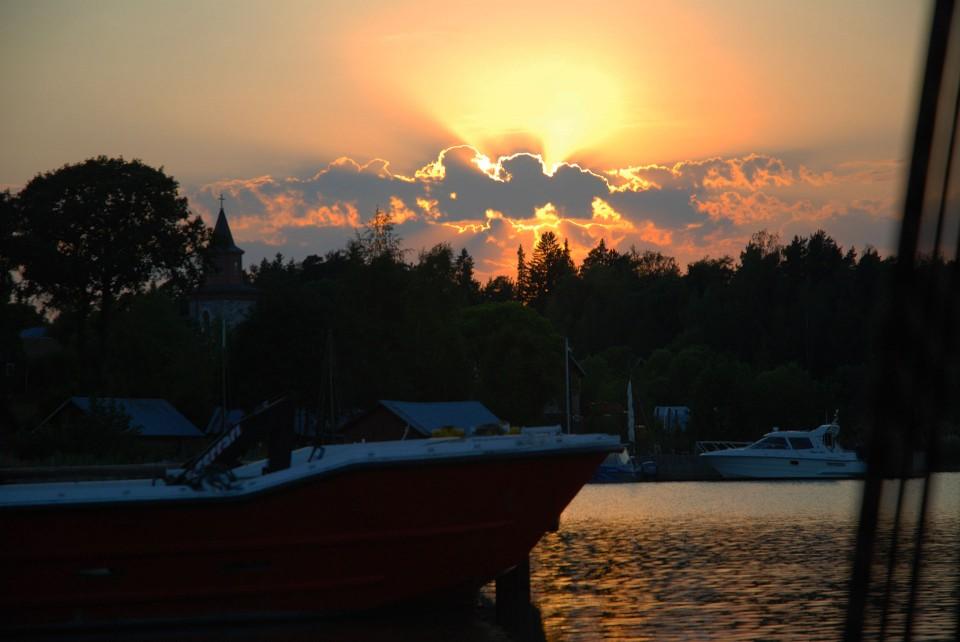 Auringonlasku Norrbyssä.