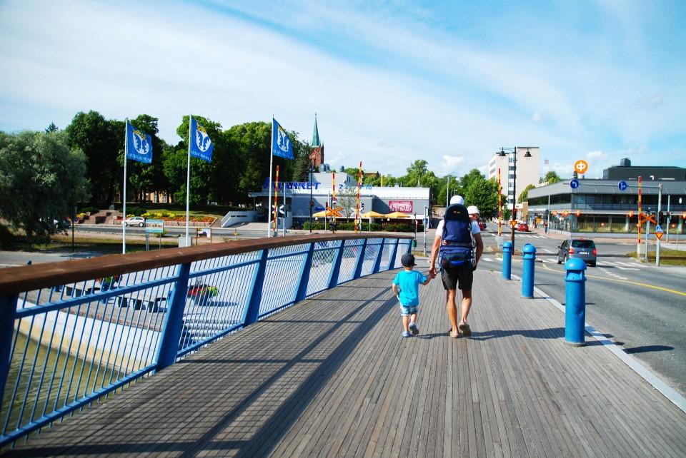 Uusikaupunki on virkeä kesäkaupunki ja vierasvenesatama on aivan keskustan läheisyydessä. Ei ihme että Pakkahuoneen satama on kolme kertaa valittu vuoden vierasvenesatamaksi.