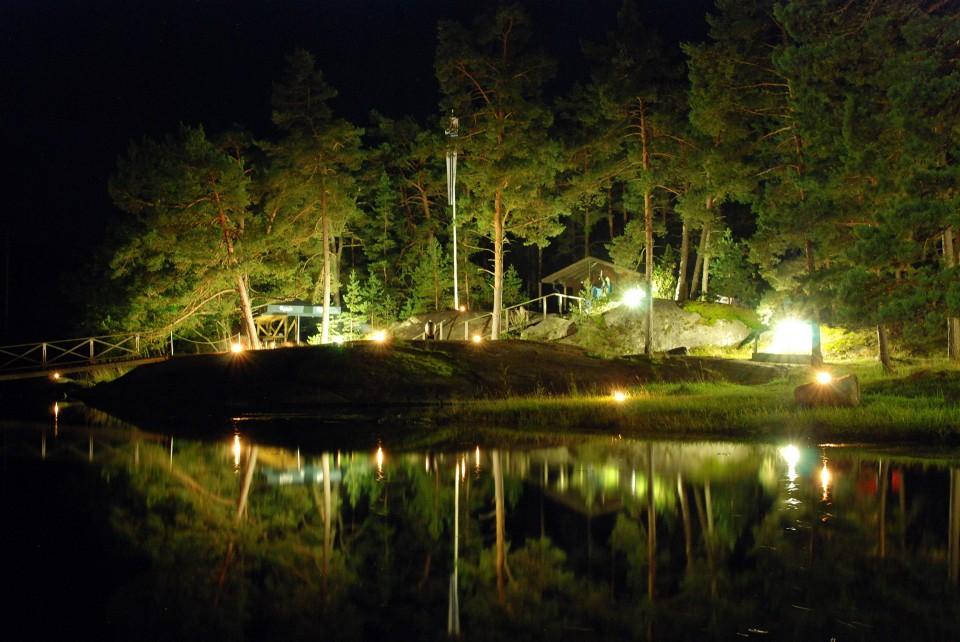Veden, tulen ja valon juhlaa. (30 s, f/6.3, ISO 1250, 28 mm)