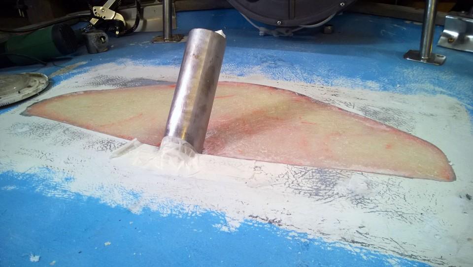 20 mm Finnfoamia ja siinä päällä sentti kuitua.