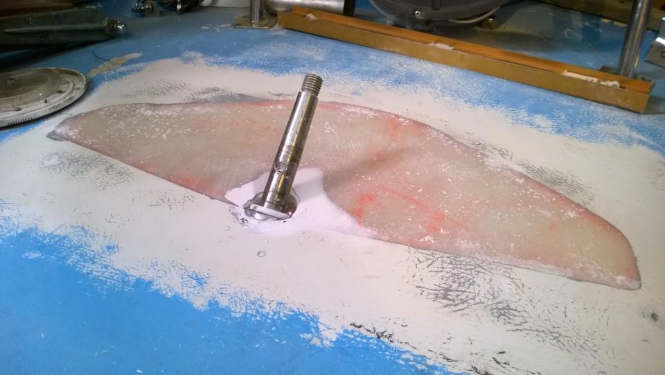 Takakannen pohjatyöt tehty ja seuraavana vuorossa maalaus.